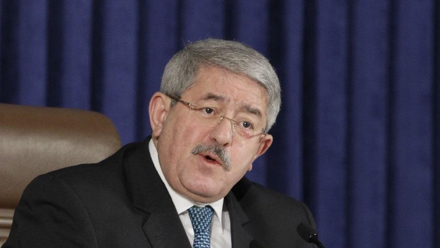 Ouyahia conférence accuse