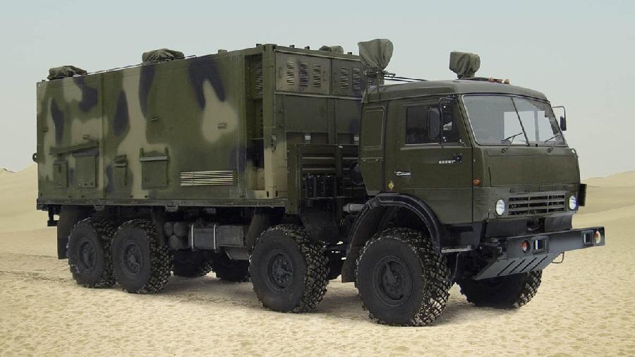 Le Polyana D4M1 est capable de commander les systèmes de défense antiaérienne mobiles de différentes portées. D. R.