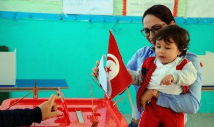 Locales en Tunisie : les islamistes d'Ennahdha en embuscade