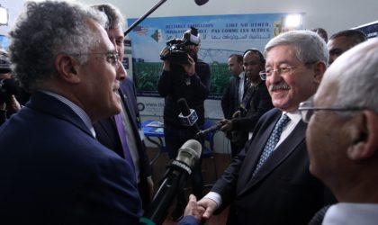51e FIA: Ouyahia s'engage à renforcer les mesures incitatives au profit des exportateurs