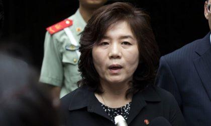 Des officiels américains traversent la frontière nord-coréenne