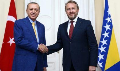 Les services turcs évoquent un complot le visant: qui veut tuer Erdogan?