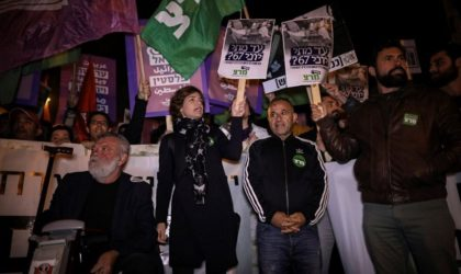 Rassemblement anti-Macron devant la mosquée Al-Aqsa