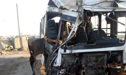 El-Bayadh : un mort et trente blessés dans une collision entre un bus et un chameau à Chellala