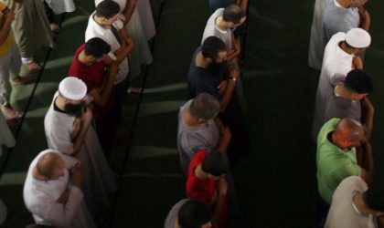 Quarante mosquées sous contrôle salafiste défient les autorités religieuses