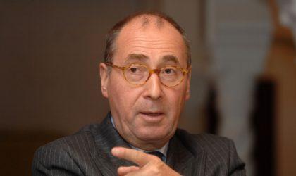 L'ambassadeur de France Xavier Driencourt dédicace son livre à Alger