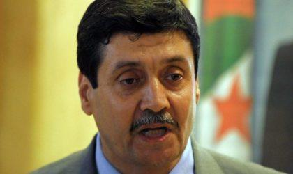 Zitouni condamne la profanation du drapeau algérien par des Français