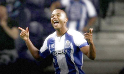 Football : Brahimi ouvre son compteur buts