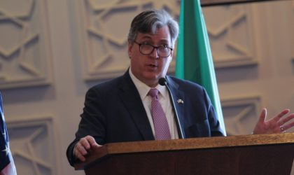 MM. Yousfi et Desrocher abordent la coopération économique algéro-américaine