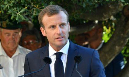 Vingt-six harkis seront décorés : le double jeu d'Emmanuel Macron