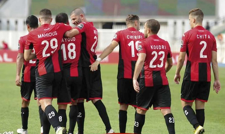 l'USM Alger, Rouge et Noir