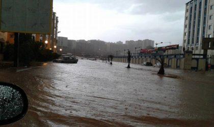 Inondations à Constantine: le ministère de l'Intérieur accuse les services de la météo