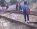 Khemis Miliana : des dizaines d'enfants risquent leurs vies pour aller à l'école
