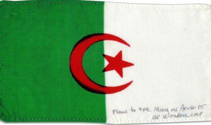 Le drapeau algérien qui a été transporté vers la Lune sur Apollo 15 mis en vente