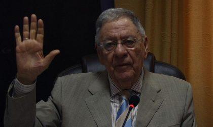 Le FLN impose son nouveau président à la tête d'un Parlement bicéphale