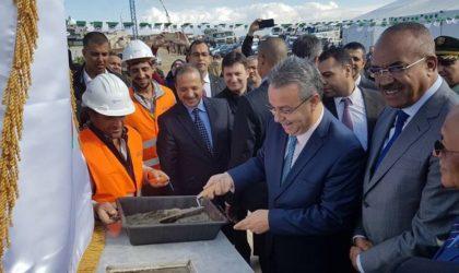 Bedoui : l'Algérie, un pays stable ouvert aux investissements étrangers