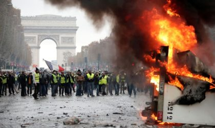Gilets jaunes : incendies dans les rues de Paris