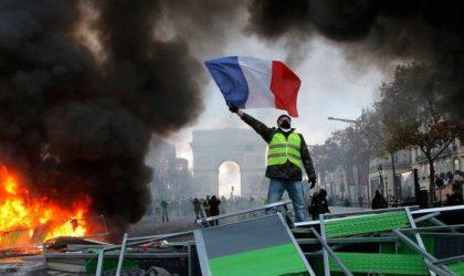 Comment Macron a fait de la France une République en marche… arrière