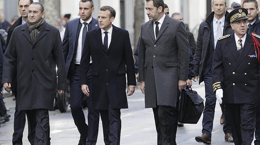 Macron Gilets