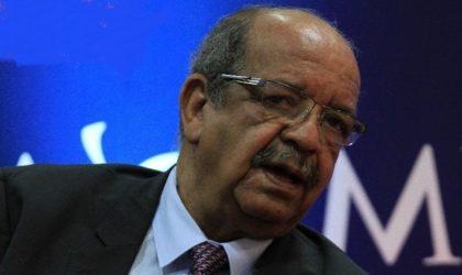 Abdelkader Messahel, pionnier des hommes politiquesarabes des réseaux sociaux