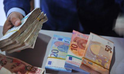 Douanes : saisie de devises à l'aéroport de Biskra et au niveau des postes frontaliers de Tébessa et d'El-Tarf