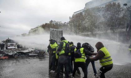 Gilets jaunes : la police a fait usage de gaz lacrymogènes à Lyon