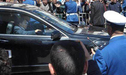 Une folle rumeur sur des émeutes après la candidature du président Bouteflika