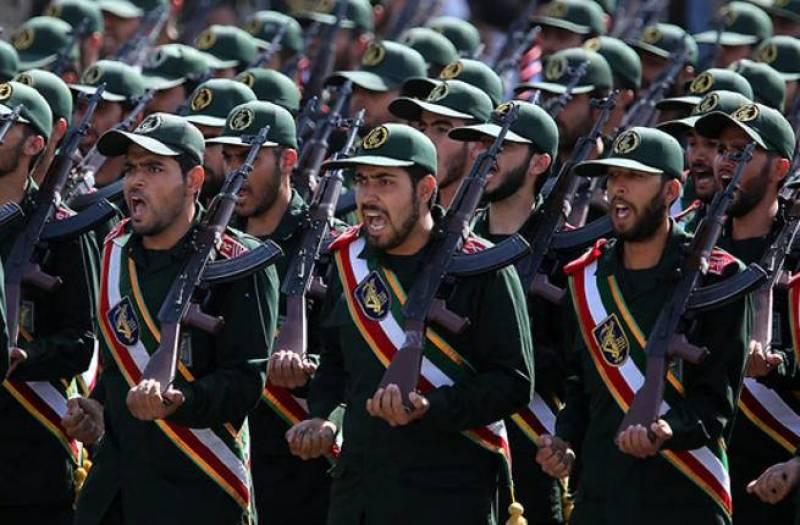 Les Gardiens de la révolution en parade. D. R.