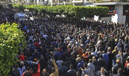 Marches historiques à travers le pays contre les décisions de Bouteflika