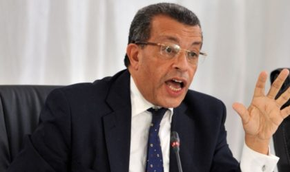 L'ex-ministre Abderrahmane Benkhalfa appelle Bouteflika à démissionner
