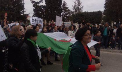 Béjaïa : 200 000 manifestants contre le cinquième mandat