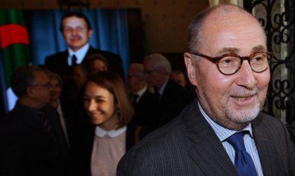Le double-jeu de Paris : Macron soutient Bouteflika, Driencourt chauffe la rue