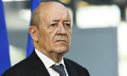 Jean-Yves Le Drian : la France «salue» la décision de Bouteflika