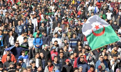 Des milliers d'étudiants manifestent à Alger-Centre contre le 5e mandat de Bouteflika