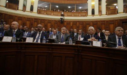 Les ministres d'Ouyahia convoqués ce lundi pour la passation de consignes
