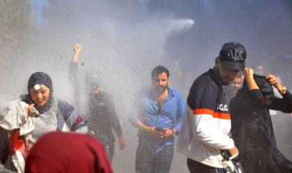 La situation en Algérie provoque un emballement médiatique dans le monde