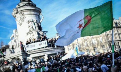 Près de 6 000 Algériens rassemblés Place de la République à Paris