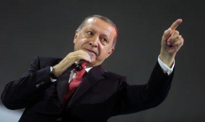 Le régime dictatorial d'Ankara donne des leçons de démocratie aux Algériens