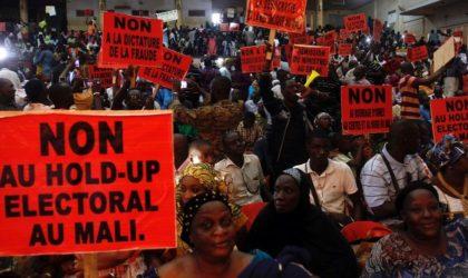 Les Maliens s'inspirent des Algériens et demandent à la France de «dégager»