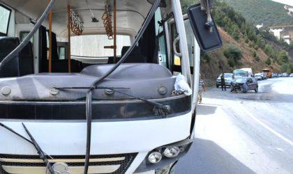 Douze blessés dans le dérapage d'un bus de supporters du MC Oran à Tizi Ouzou