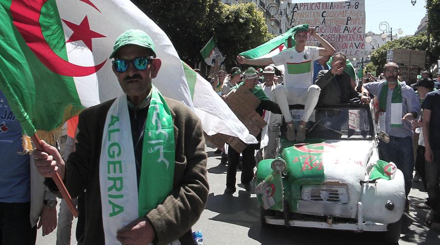 13e vendredi de protestationF