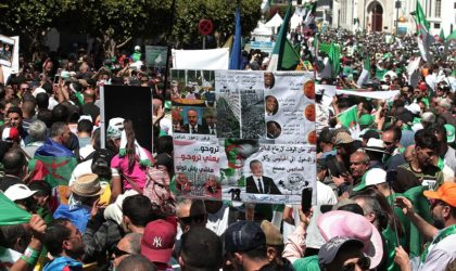 Les Algériens sortent massivement malgré la chaleur et le Ramadhan pour le 12evendredi