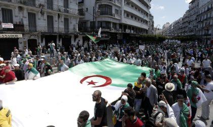 Grande mobilisation des Algériens pour le dernier vendredi du Ramadhan