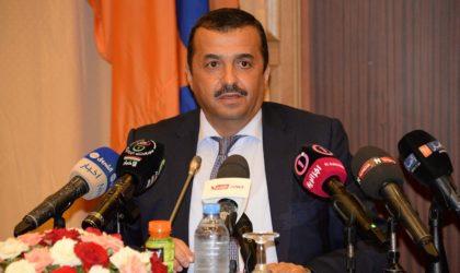 Des citoyens contraignent le ministre de l'Energie à écourter sa visite à Tindouf