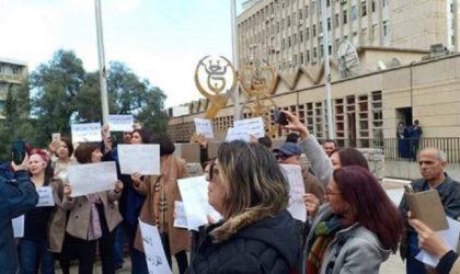 Sit-in des journalistes de la Télévision et Radio publiques