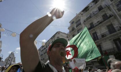 Des milliers d'étudiants manifestent à Alger et appellent Bensalah à démissionner