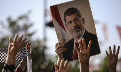 Quand l'ex-président égyptien Mohamed Morsi s'invite dans le hirak algérien