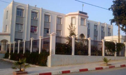 La population de la commune de Merahna à Souk Ahras ferme le siège de l'APC