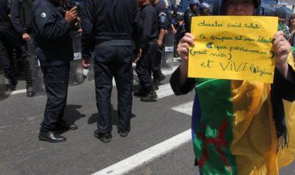 Des mères de détenus incarcérés pour port du drapeau amazigh témoignent