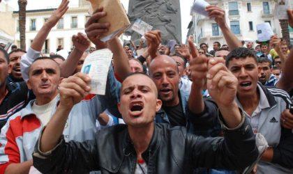 Les retraités de l'armée manifestent à Alger